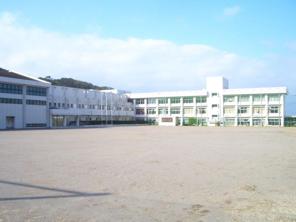 神津高等学校