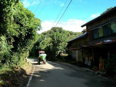 20110809-ただの道-800