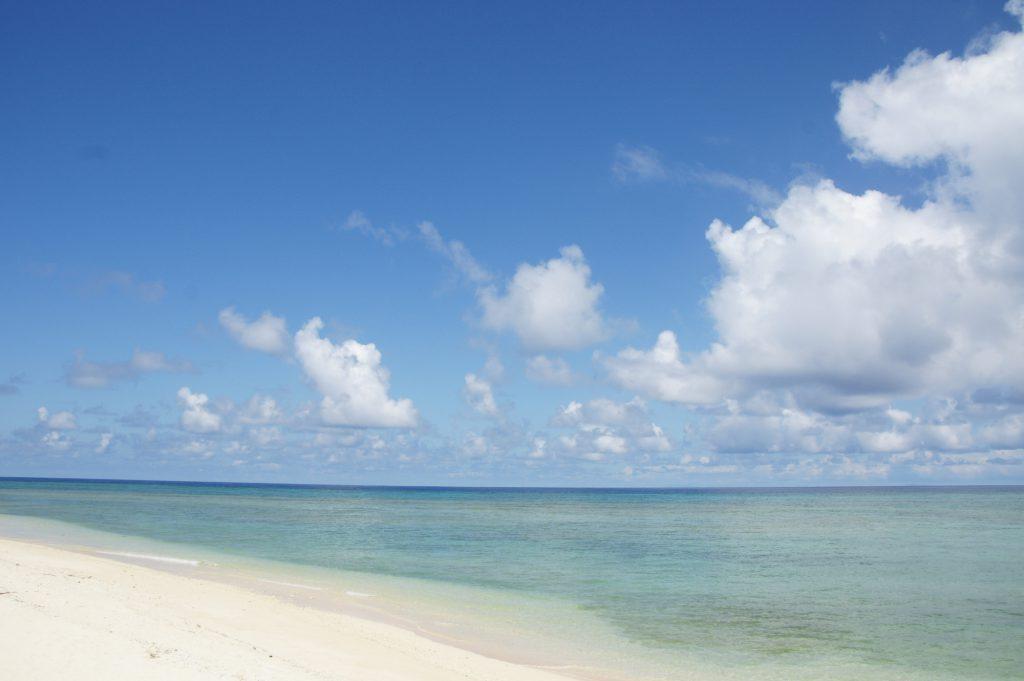 【粟国村観光協会】ウーグの浜(長浜ビーチ